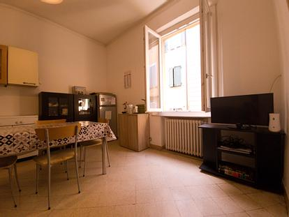 Appartamento con due singole in via dei Rossi