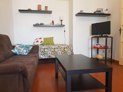 Appartamento con due camere zona Le Cure