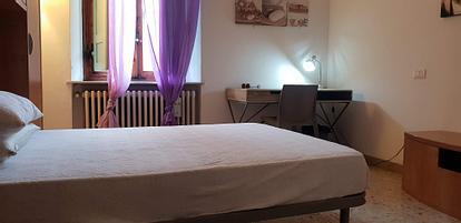 Camera singola in bellissimo appartamento a Camollia
