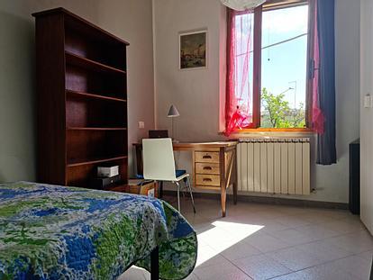 Camera singola con bagno privato in Via Piccolomini
