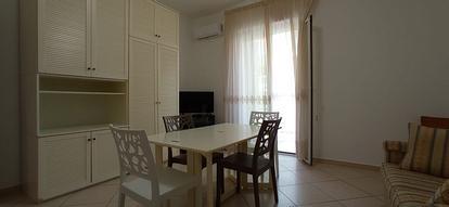 Intero appartamento in via Buccari.