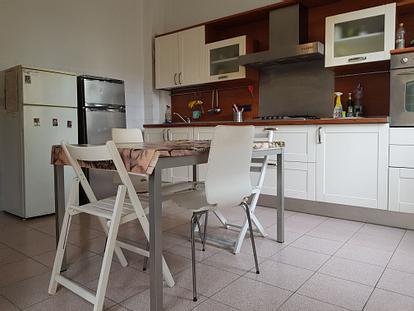 Singola e doppia in grande appartamento