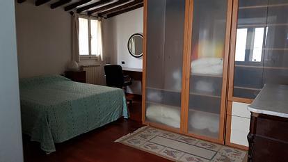 Ampio e luminoso appartamento zona Santa Croce