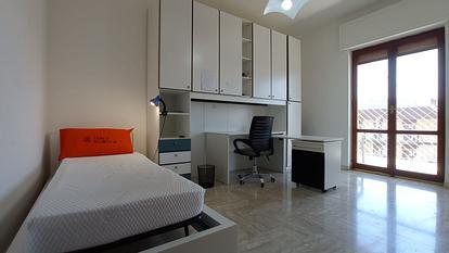 Camere in appartamento vicino al Politecnico e alla facoltà di Economia