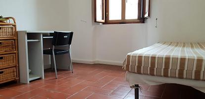Due camere singole fuori porta Camollia