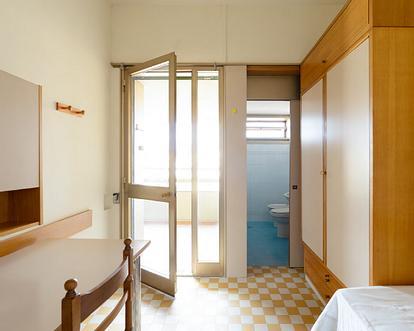 Camere femminili con bagno privato brevi o lunghi periodi