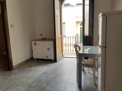 Bilocale 2 min da porta Napoli