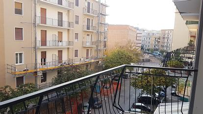 Appartamento con 3 singole in zona immacolata