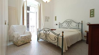 Ampio appartamento con 2 camere singole in zona Ateneo