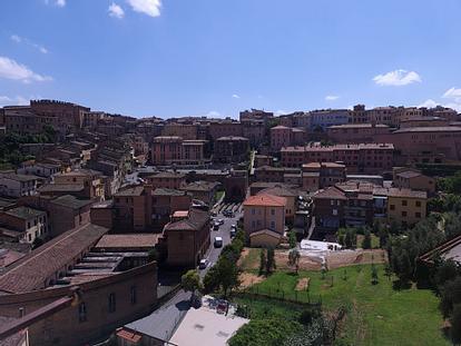 Tre Singole in appartamento panoramico in via Garibaldi